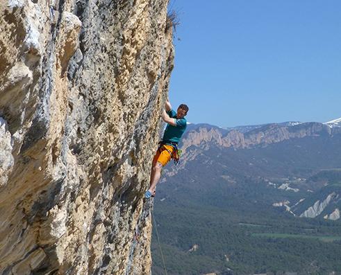 Climbing picture of MAXIM athlete Shane Messer